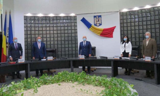 Preşedintele Horia Teodorescu şi Consiliul Judeţean au depus jurământul pentru mandatul 2020-2024