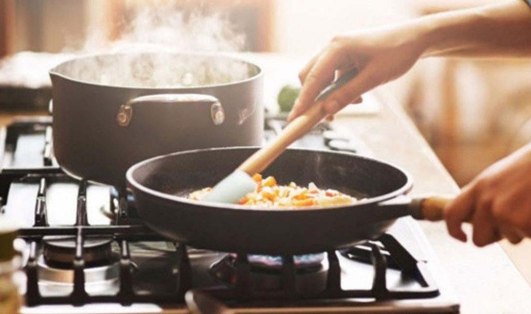 Tulcenii care fac miros de mâncare ar putea fi amendaţi