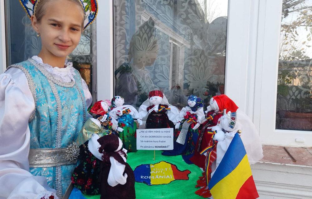 """Adriana-Maria Feodot, câştigătoarea Marelui Premiu al concursului """"România Mare, în strai de sărbătoare"""""""
