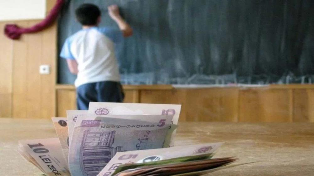 Peste 2.900 de burse pentru elevii din municipiu, acordate de Primăria Tulcea