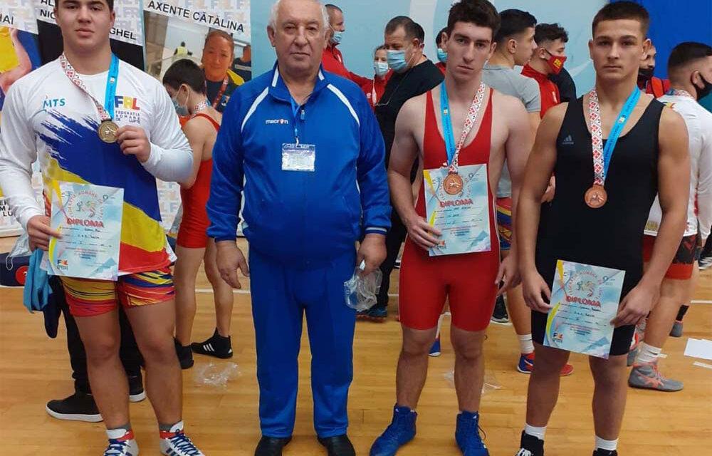 Luptătorii de la CSS Tulcea au câştigat 12 medalii anul acesta