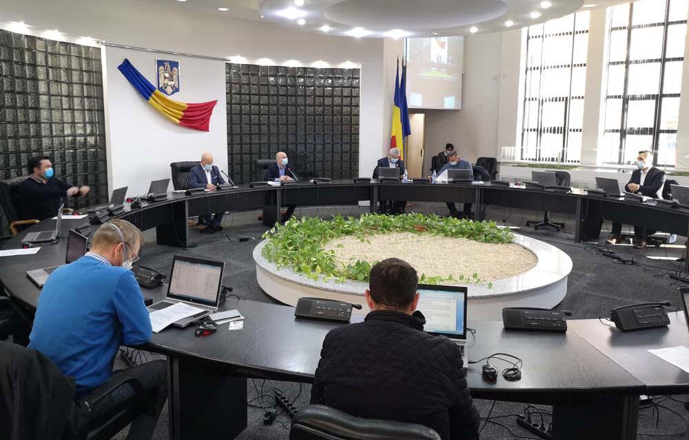 Cabinetul preşedintelui de Consiliu Judeţean a fost suplimentat cu două posturi. Liberalii au votat împotrivă