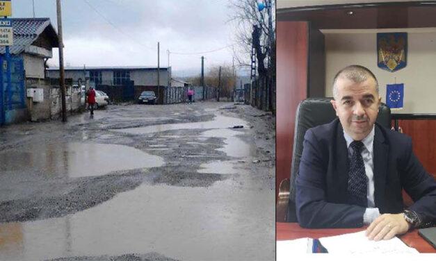 Primarul Ştefan Ilie intră cu asfaltarea pe strada Forestierului