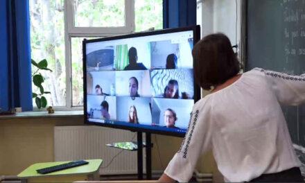 Efectele şcolii online: circa 600 de elevi tulceni riscă să rămână cu mediile neîncheiate pe semestrul I