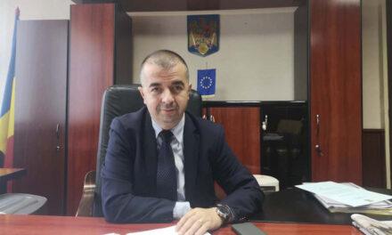 """Primarul Ştefan Ilie: """"Încercăm să refacem proiectele de eficientizare energetică pentru trei unităţi de învăţământ"""""""