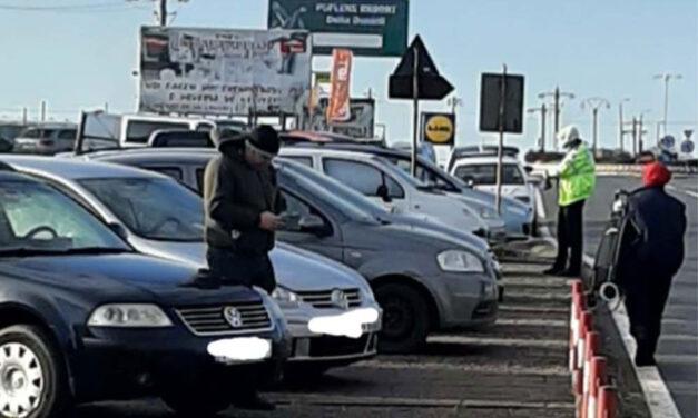 Târgul ilegal de maşini de la intrarea în oraş a fost desfiinţat