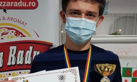Laurenţiu Sarighioleanu, câştigătorul Semifinalei Campionatului Naţional de Şah pentru Seniori Brăila