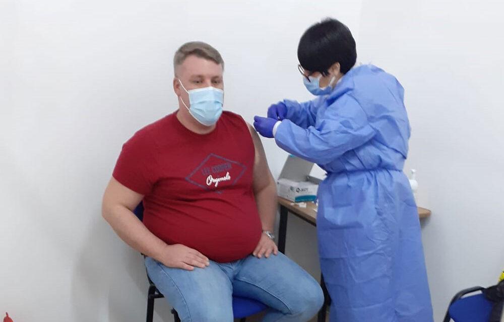 A început vaccinarea cu dozele de la AstraZeneca la Măcin şi Isaccea