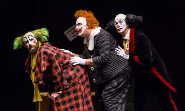 """Tulcenii, dornici să revină la teatru: biletele la spectacolul """"Angajare de clovn"""" au fost epuizate"""