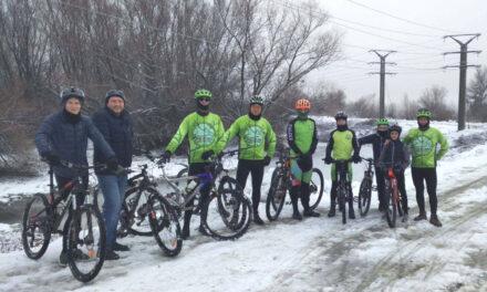 """""""Tura de Gheaţă"""", prima competiţie destinată cicliştilor tulceni de anul acesta"""
