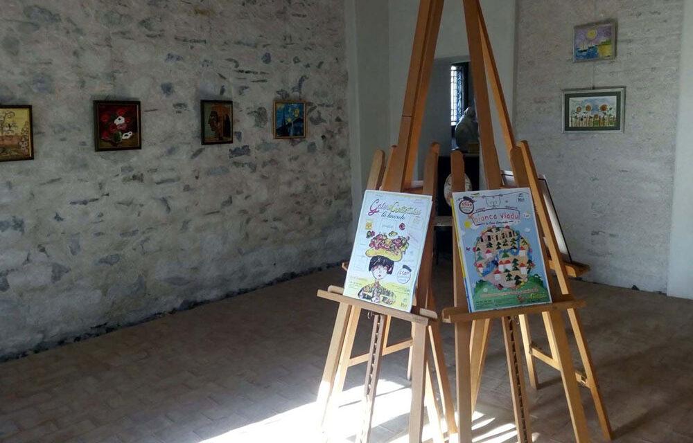 """Bianca Vladu, primul expozant în """"Galeria Artistului la Tinereţe"""""""