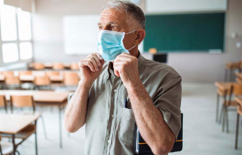 Circa 170 de profesori tulceni trebuie să aleagă: pensionar sau angajat