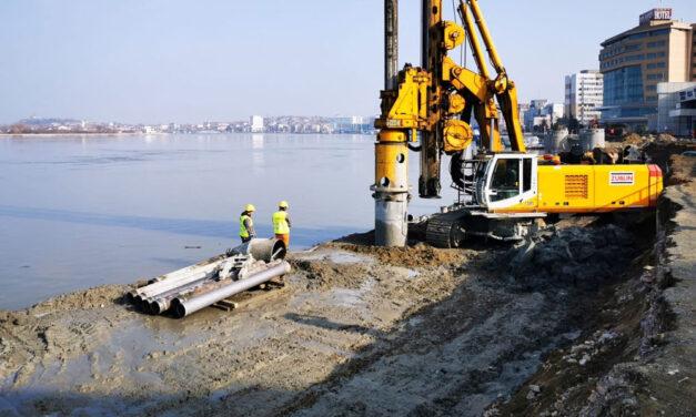 Lucrările de modernizare a portului şi falezei Dunării, executate în proporţie de 25%
