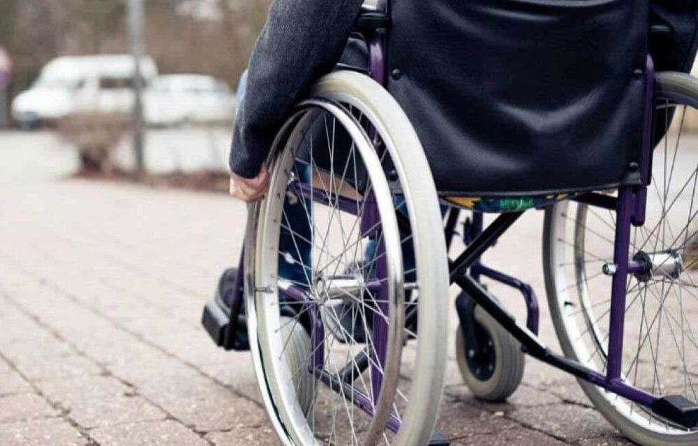 Peste 250 de tulceni cu dizabilităţi au solicitat bilete gratuite pentru transport şi decontarea carburantului