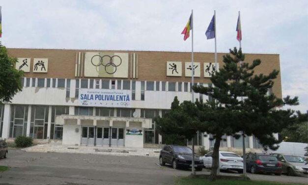 Sala Polivalentă din municipiu va fi demolată de o firmă din Cluj Napoca