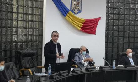 """Primarul Ştefan Ilie: """"Intenţionez să demolez toate garajele care sunt construite legal sau nelegal"""""""