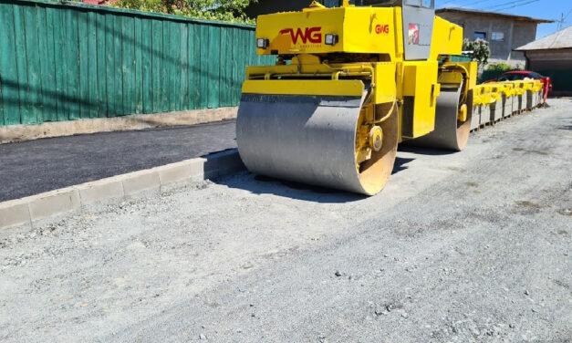 Campania de asfaltare şi pietruire în municipiu începe luna viitoare