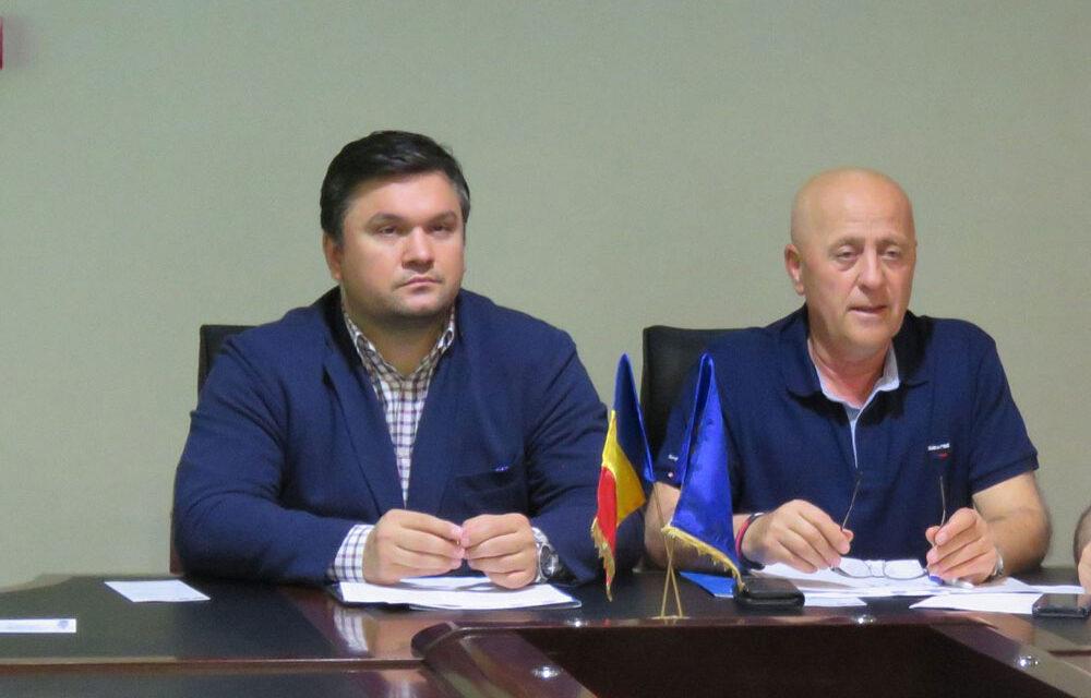Preşedintele Teodorescu caută administrator public al judeţului. Unul dintre candidaţi este Mita Mergeani