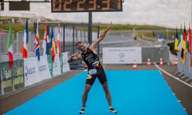 Ultramaratonistul Sorin Andrici şi triatloniştii de la Aqua Vita Delta Tulcea, pe podium