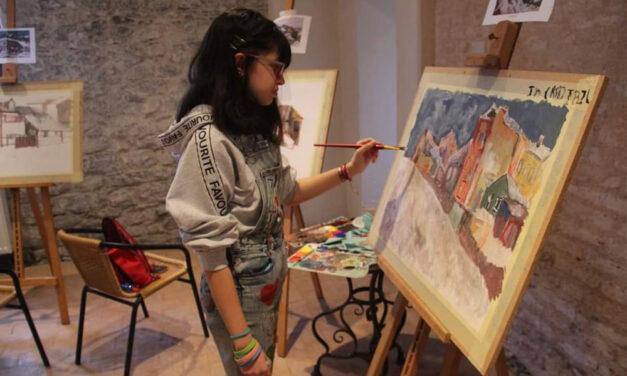 """Loredana Andrici, al treilea expozant în """"Galeria Artistului la Tinereţe"""""""