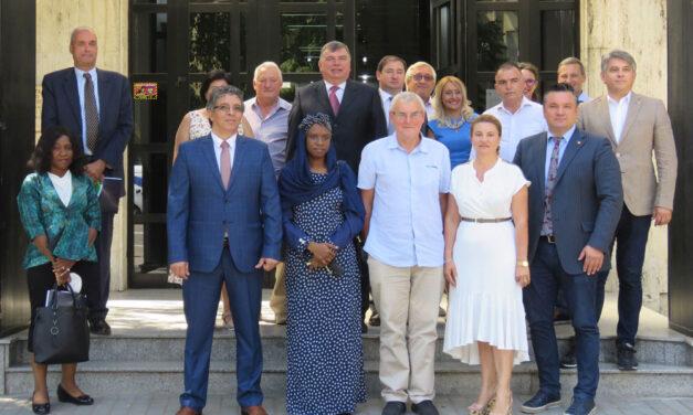 Forum economic organizat de Consiliul Judeţean: ambasadori din mai multe state, prezenţi la Tulcea