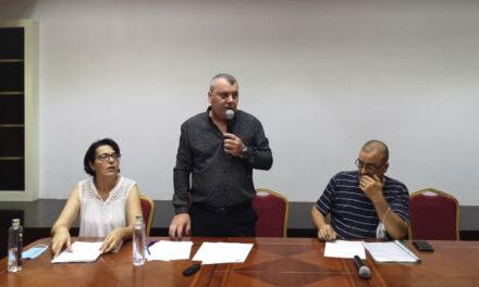 Taximetriştii tulceni vor majorarea tarifului şi refuză reducerea numărului de licenţe