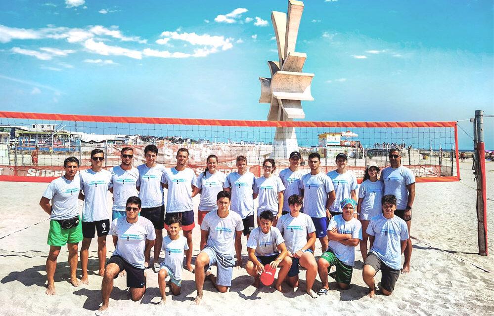 Voleibaliştii de la CSS Tulcea, prezenţi la cantonamentul de pregătire de la Costineşti