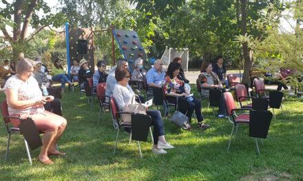 """""""Bunicii cu poveşti fericite"""": Peste 140 de vârstnici din Tulcea beneficiază de servicii medicale gratuite"""