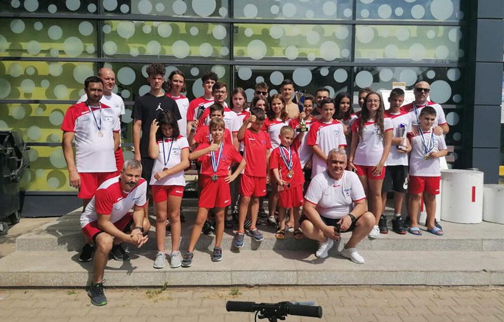 Înotătorii de la Natantibus au câştigat cea de-a III-a ediţie a Cupei Internaţionale Delta Dunării