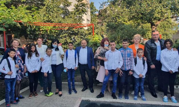 Prefectul Nicolae Topoleanu, din nou la şcoală