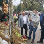 Produsele toamnei, revărsate în Piaţa Civică a municipiului