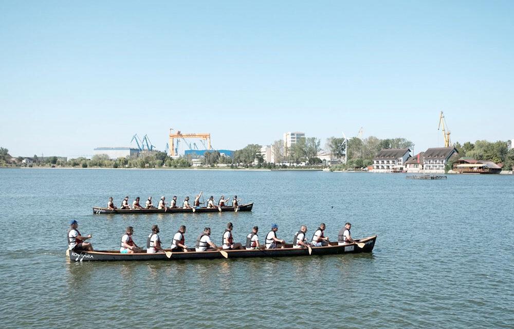 RowmaniaFest începe astăzi: concurs de vâslit în canotci pe lacul Ciuperca