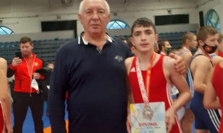 Marian Croitoru, medalie de argint la Finala Campionatului Naţional de Lupte de la Târgu Mureş