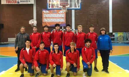 Baschetbaliştii de la CSS Tulcea, pe primul loc după prima etapă a Turneului U18