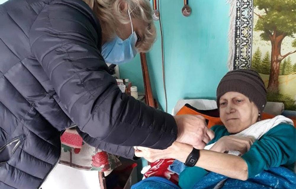"""""""Butonul Roşu"""", activat la Babadag: Program pilot de tele-asistenţă la domiciliu"""
