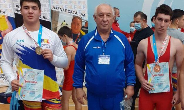 Luptătorii Ali Gean şi Ionuţ Petrişor, medaliaţi la Campionatul Naţional de Cadeţi şi Seniori